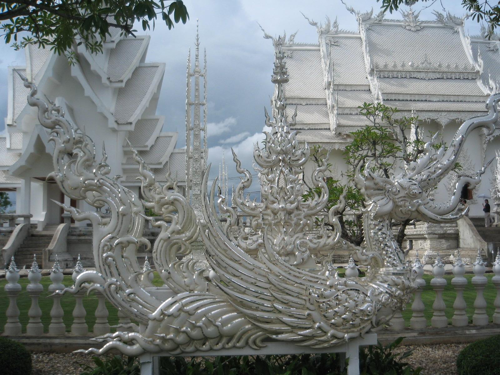 Wat Rong Khun Chiang Rai วัดร่องขุ่น
