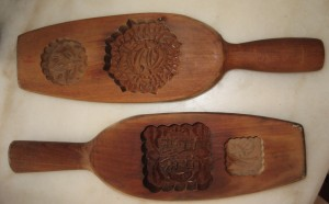 Mooncake moulds we use at home to make the shape of the mooncake