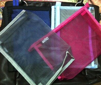 Cheap but effective way to organize your luggage and handbag